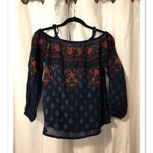Off-The Shoulder Long Sleeve